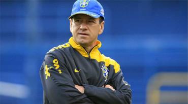 Dunga cree que Brasil juega mejor desde que impuso su estilo