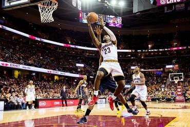 LeBron brilló en triunfo ante los Pacers