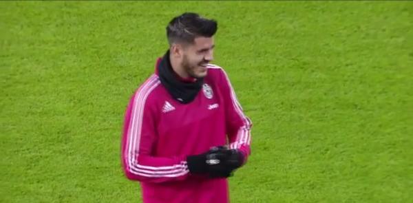 VIDEO: Morata y el show del chicle