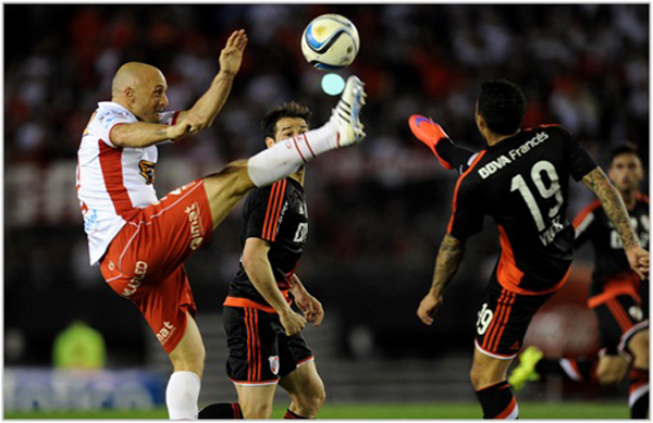VIDEO: Huracan vs River Plate 2-2 Semifinal copa sudamericana