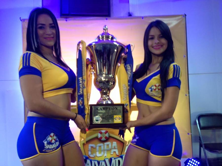 Liga Nacional presentó la Copa para el próximo monarca