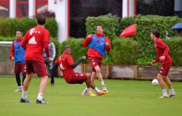 VIDEO: La clase de Lewandowski, el delantero del momento