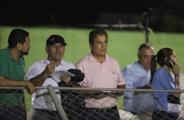 Jorge Luis Pinto estuvo presente en el partido de la Gran Final