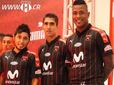 Jorge Claros se suma oficialmente a la familia rojinegra del Alajuela
