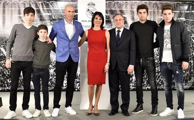 zidane-junto-mujer-sus-cuatro-hijos-presentacion-1452784027914