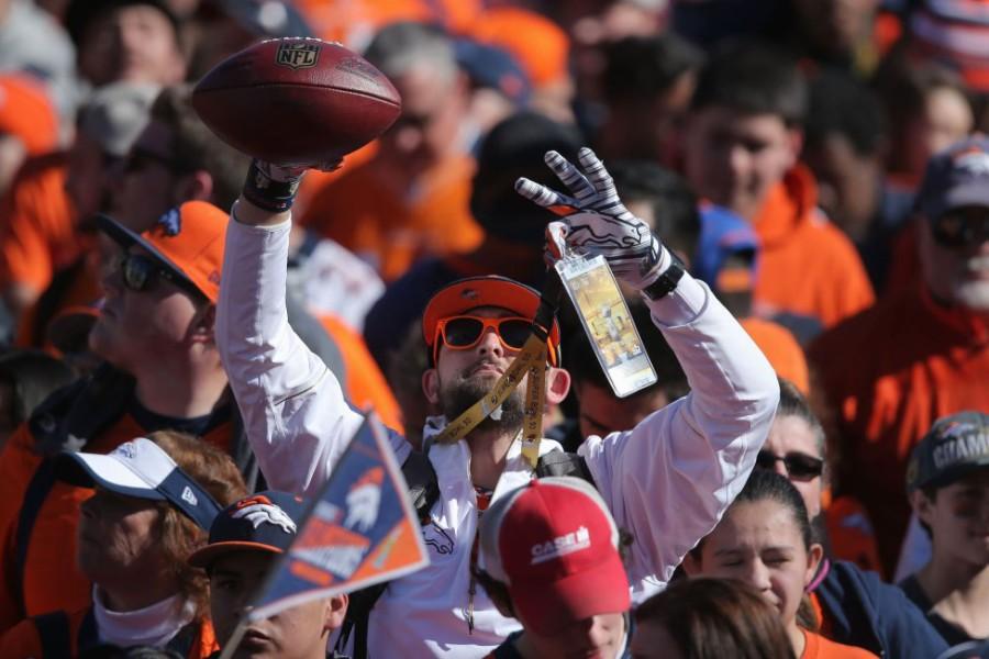 Así fue el desfile victorioso de los Broncos por Denver