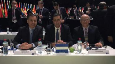 Jorge Salomón, votó en representación de la Fenafuth en elecciones de la FIFA
