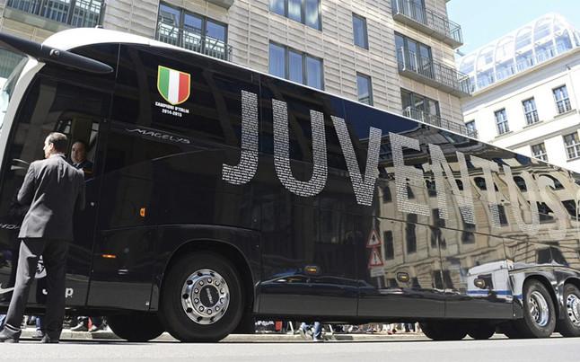autocar-juventus-fue-atacado-1455910676253