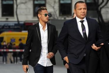 "Papá de Neymar: ""Oferta de 190 millones de Euros es de Manchester United"""