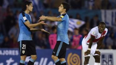 Uruguay vence a Perú y es líder de las eliminatorias