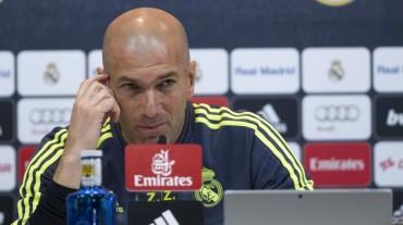 """Zidane: """"Se está siendo injusto con James, está comprometido"""""""