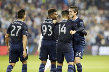 Kansas City y Roger Espinoza son líderes en su conferencia de la MLS