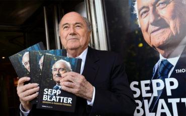 Blatter presenta su biografía titulada 'Sepp Blatter'
