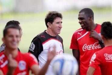 """Héctor Vargas: """"Seguimos en primero, estos bajones a cualquier equipo le pasa"""""""