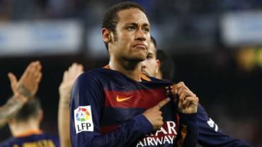 El brasileño Neymar está en la mira del PSG