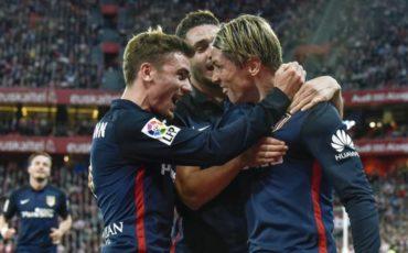 El Atlético gana al Athletic y mantiene el pulso del Barcelona
