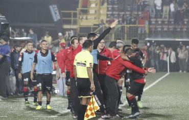 Jorge Claros y Carlos Discua están en la final del fútbol de Costa Rica
