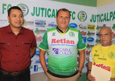 Wilmer Cruz se mantendrá como entrenador de Juticalpa por un año mas