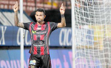 El Alajuela confirmó la salida del volante catracho Carlos Discua