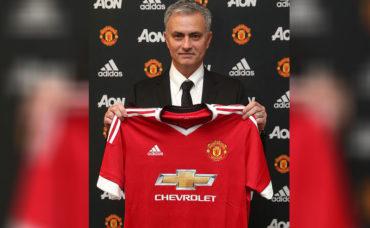 Mourinho firmó por tres temporadas con el United