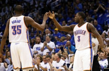 Thunder aplastó a Warriors y lidera final del Oeste