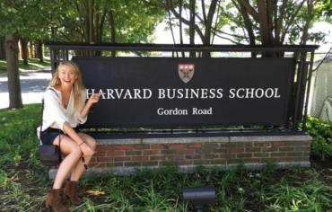 Sharapova aprovecha sanción por dopaje para estudiar en Harvard