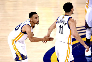 Warriors y Curry dieron primer golpe en final NBA
