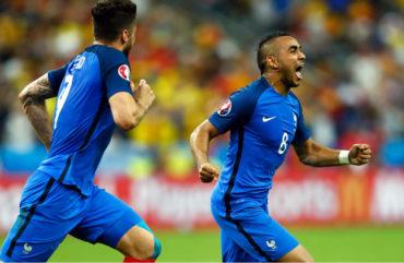 Payet salvó a Francia en juego inaugural de la Euro
