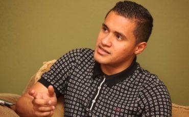 El Vida sigue pujando por los servicios de Roger Rojas