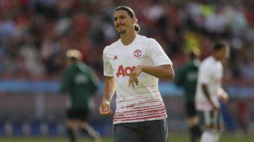 Ibrahimovic deslumbra en su debut con el Manchester United
