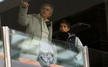 Hijo de Mourinho firma con el Fulham