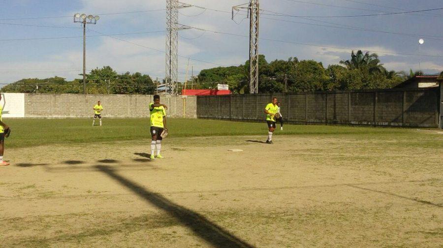 El en Platense impera la calma, se relajan jugando Softball
