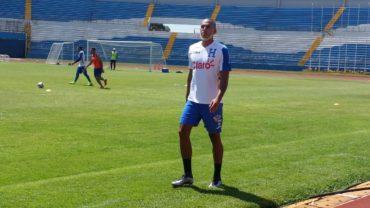 """Eddie Hernández: """"El profe Pinto confía en mi y por eso estoy en la selección"""""""