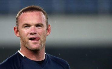Rooney da la bienvenida a Pogba al Manchester United