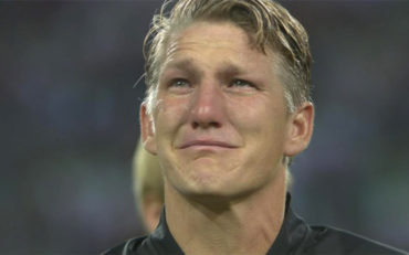 Schweinsteiger rompe a llorar en su despedida con la selección alemana