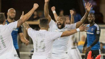 """""""Chino"""" Espinoza le ganó el pulso a """"Muma"""" Bernárdez en la MLS"""