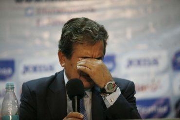 """Jorge Luis Pinto de a poco ha ido lavando su cara con la """"H"""""""