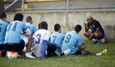 Héctor Castellón sigue firme como entrenador del Honduras Progreso