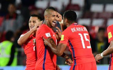 Chile derrota a Perú con doblete de Arturo Vidal