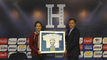 La Fenafuth ha sido reconocida por la organización Operación Sonrisa Honduras