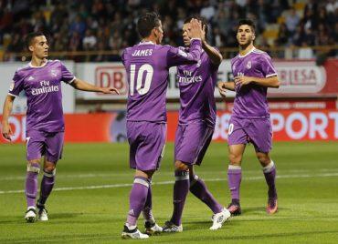 El Real Madrid ganó con soltura y seriedad al modesto Cultural Leonesa