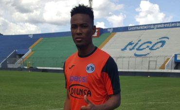 Deiby Flores entrena con las reservas del Motagua por medidas disciplinarias