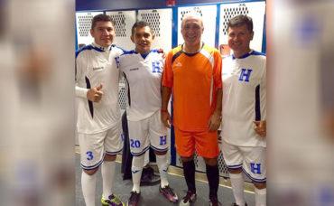 Viejas glorias del fútbol de Honduras vencieron a los Amigos del búlgaro Hristo Stoichkov