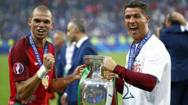 """Cristiano bromea: """"El día de la final de la Eurocopa me desperté con tres rubias en la cama"""""""
