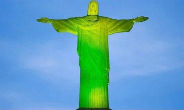 Monumentos y edificios de todo el mundo se iluminan con los colores del Chapecoense