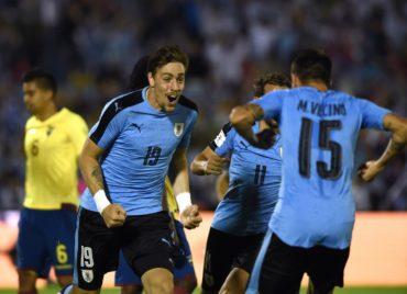 Uruguay derrota 2-1 a Ecuador y se acerca a la clasificación