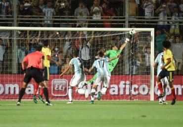 Un encendido Messi guía a la Argentina a un gran triunfo ante Colombia