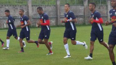 Panamá ya entrena con su plantel completo para enfrentar a Honduras