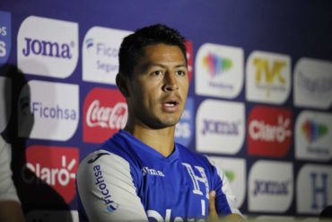 """Roger Espinoza: """"Me gusto mucho ver el estadio lleno y el gran apoyo de la afición Hondureña"""""""