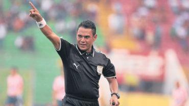 La Comisión de Disciplina castigó con dos partidos al árbitro Geovany Mendoza